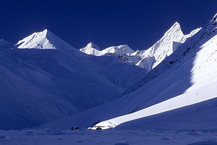Die wunderschöne Hölle von Batal unterhalb des Kunzum-Passes. Vier Tage lang mussten wir hier aufgrund meterhohen Neuschnees ausharren.