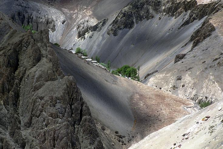 Feldterrassen im Hochtal von Kalse, Ladakh.