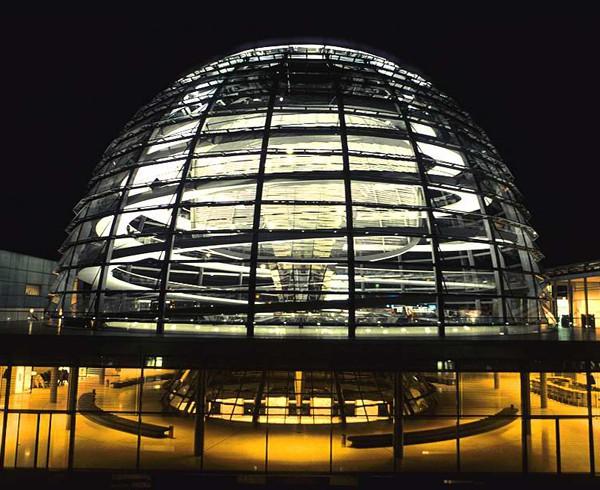 Reichstagskuppel: Transparenz als Leitmotiv.